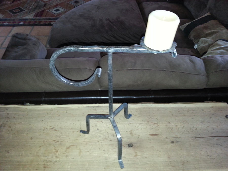 Big loop wrought iron single candle stand